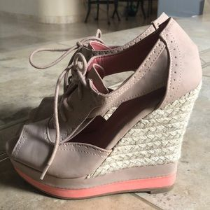 Bamboo Tan and Coral Wedges